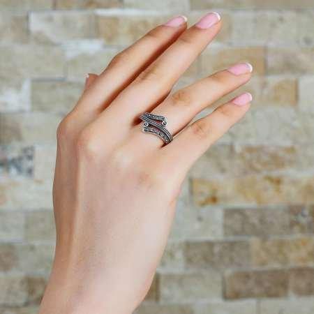 925 Ayar Gümüş Zirkon Taşlı Nokta İşlemeli Yarım Tur Bayan Yüzük - Thumbnail