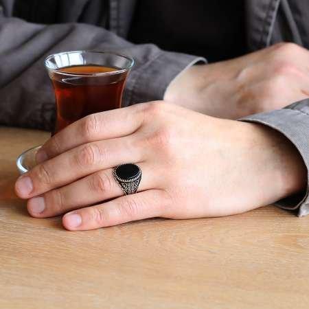 925 Ayar Gümüş Labirent Motifli Oval Siyah Oniks Taşlı Erkek Yüzük - Thumbnail